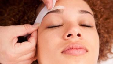 Tips To Wax Eyebrows 001