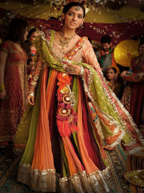 15 2012 at 600 215 800 in fashion of mehndi dresses 2013 for girls