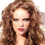Good Hairstyles For Curly Hair Women 0012