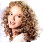 Good Hairstyles For Curly Hair Women 003
