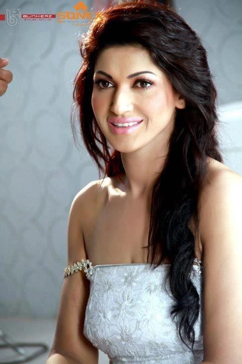 Sana Nawaz's Biography   Portfolio   Images   Photos   HD Pictures