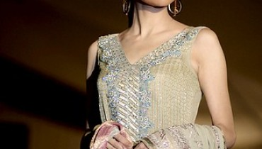Model Natasha Hussain Pictures and Profile 001 333x500