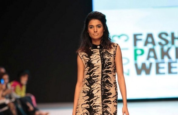 Mona Imran 'Safari' Collection 2013 At Fashion Pakistan Week 5  001
