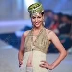 Yasmin Zaman Bridal Collection at BCW 2013 007