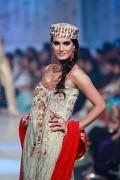 Yasmin Zaman Bridal Collection at BCW 2013 011