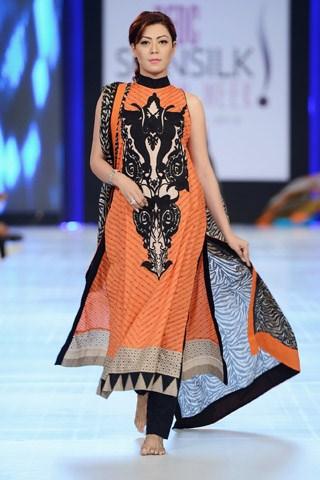 Lakhani Collection At PFDC Sunsilk Fashion Week 2013 001