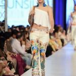 Rizwan Beyg Collection At PFDC Sunsilk Fashion Week 2013 0027