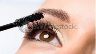 tips for applying mascara to prefection 450 x 319