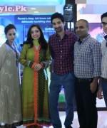 Juggun Kazim, Adeela Liaquat, Belal Ahmed and members of the Garnier Brand Team