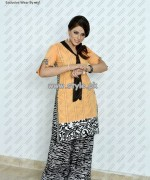 Laal Aur Dhani Mid Summer Collection 2013 For Girls 004