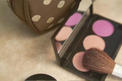 How to choose the right makeup