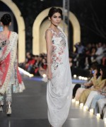Zara Shahjahan Bridal Dresses 2013 at PFDC L'Oreal Paris Bridal Week 007