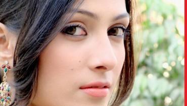 ayeza khan beautiful face