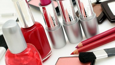 4 reasons why you should avoid makeup
