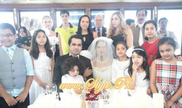 Veena Malik Valima Reception In White Wedding Style Pic 13