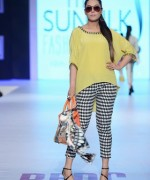 PFDC Sunsilk Fashion Week Day 2 Review And Pictures 002