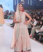 Sana Abbas Collection At Pantene Bridal Couture Week 2014 0016