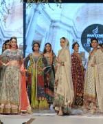 Teena Durrani Collection At Pantene Bridal Couture Week 2014 0010