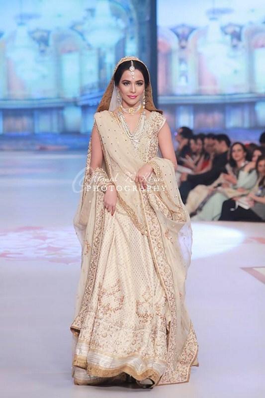 Zaheer Abbas Collection At Pantene Bridal Couture Week 2014 0014
