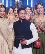 Zaheer Abbas Collection At Pantene Bridal Couture Week 2014 0017