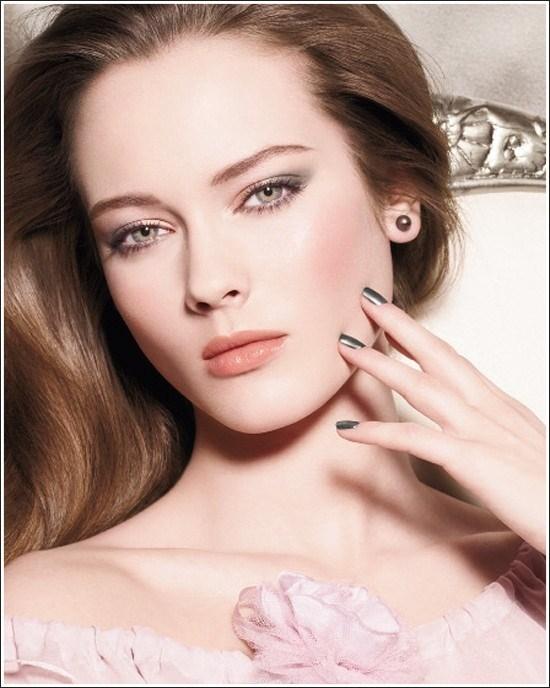Best Makeup Tips For Summer Season