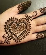 Loved Heart Mehndi Designs For Women 0013