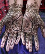 Loved Heart Mehndi Designs For Women 002
