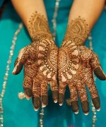 Loved Heart Mehndi Designs For Women 007