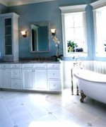 How To Use Blue And White Colors For Bathroom Decoration 0010
