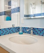 How To Use Blue And White Colors For Bathroom Decoration 0011
