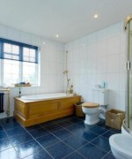 How To Use Blue And White Colors For Bathroom Decoration 002