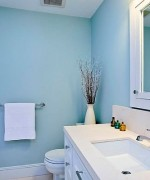 How To Use Blue And White Colors For Bathroom Decoration 003