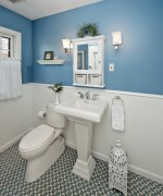 How To Use Blue And White Colors For Bathroom Decoration 008