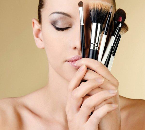 Top 10 Makeup Tips For Summer Season