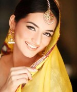Trends Of Bridal Mehndi Makeup For Summer Season 004