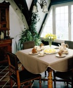 Best Ideas For Small Dining Room Decoration 005