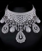 Designs Of Diamond Necklaces 2014 For Women 006