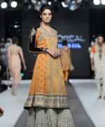 Fashion Of Sharara Mehndi Dresses 2014 For Women  005