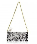 Trends Of Clutches With Chain Straps For Parties 004