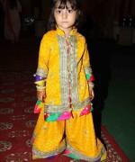 Trends Of Mehndi Dresses 2014 For Kids 003