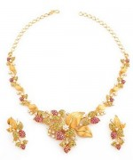 Trends Of Necklace Stones Designs For Women 009