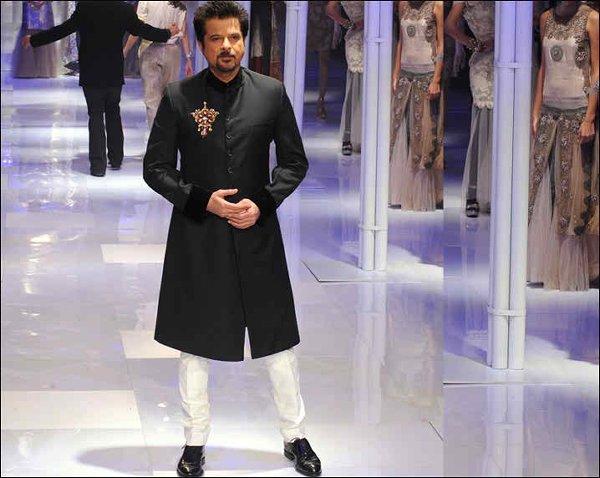 Fashion Of Black Sherwani 2014 For Pakistani Groom 008