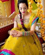 New Bridal Hairstyles 2014 For Mehndi Function 008