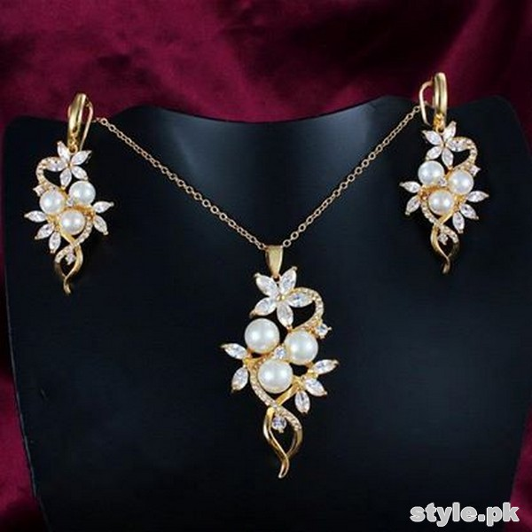 Fashionable Jewellery Designs 2014 For Parties 12