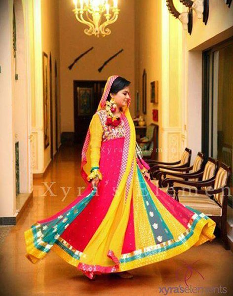 Pics photos mehndi dresses for girls cool collection
