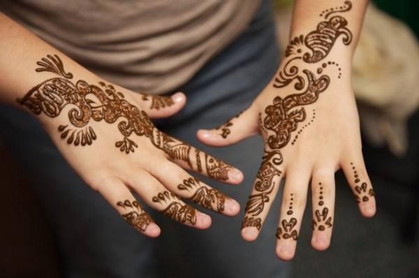 Simple Mehndi Designs- Beautiful Mehndi Designs 005