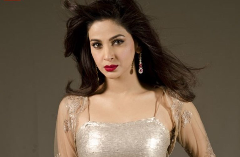 Saba Qamar Hot Style Pk