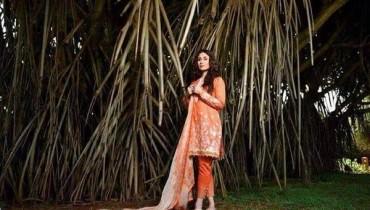 Crescent Lawn Dresses 2015 By Faraz Manan  008