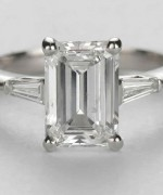 New Designs Of Emerald Cut Engagement Rings 2015 004