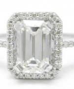New Designs Of Emerald Cut Engagement Rings 2015 005